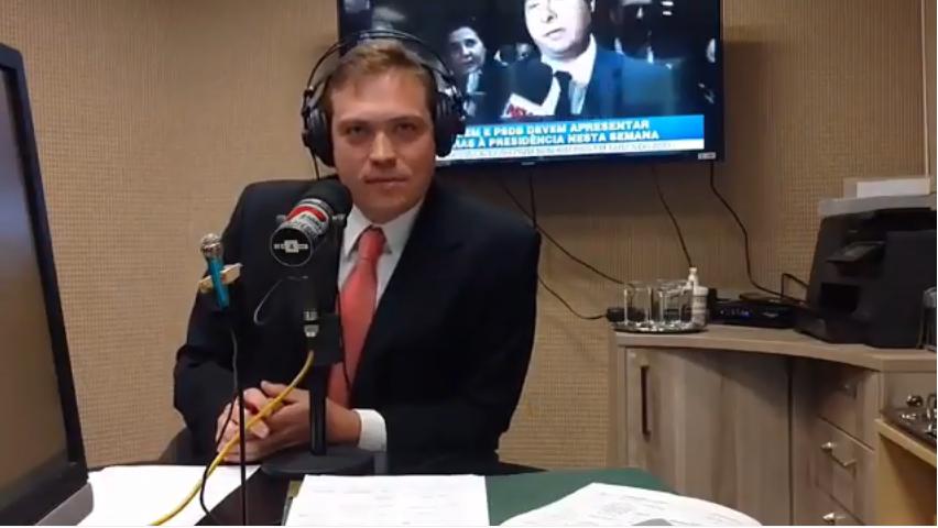 Dr. Gustavo Athayde concede entrevista para a Rádio Transamérica